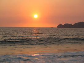 Another spectacular Mexico Vacations sunset on the beach in front of your Mexican Resort